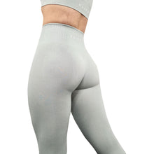 Load image into Gallery viewer, Pistachio Seamless Leggings