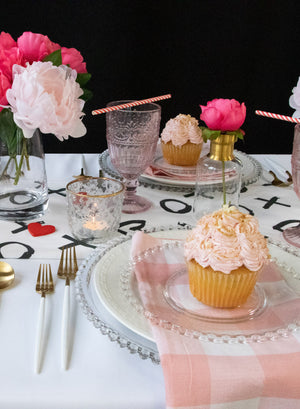 XOXO Tablescape