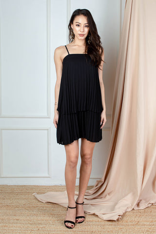 Ari Tiered Pleated Dress (Black)