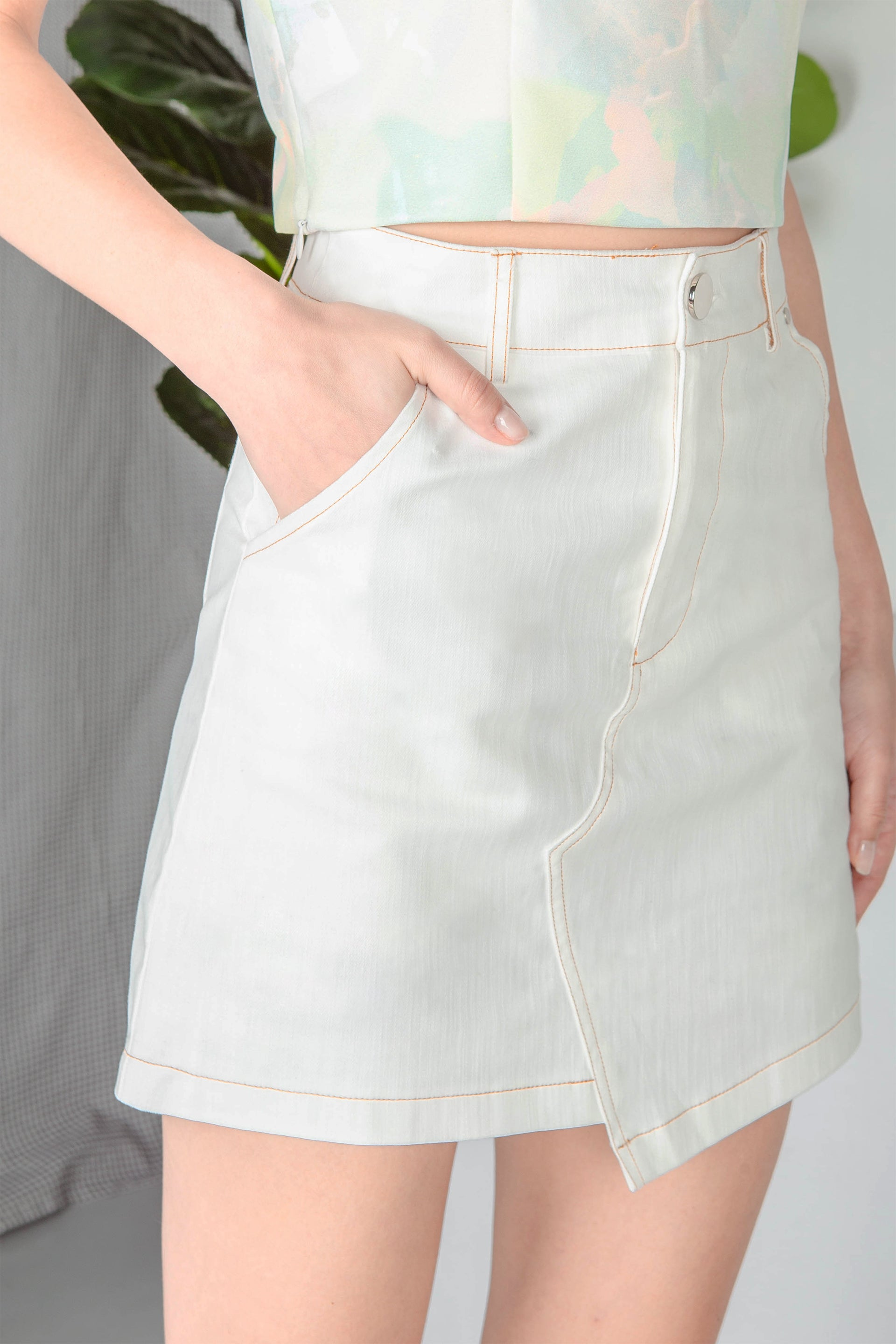 Charleigh Asymmetrical Denim Skirt (White) - Xs