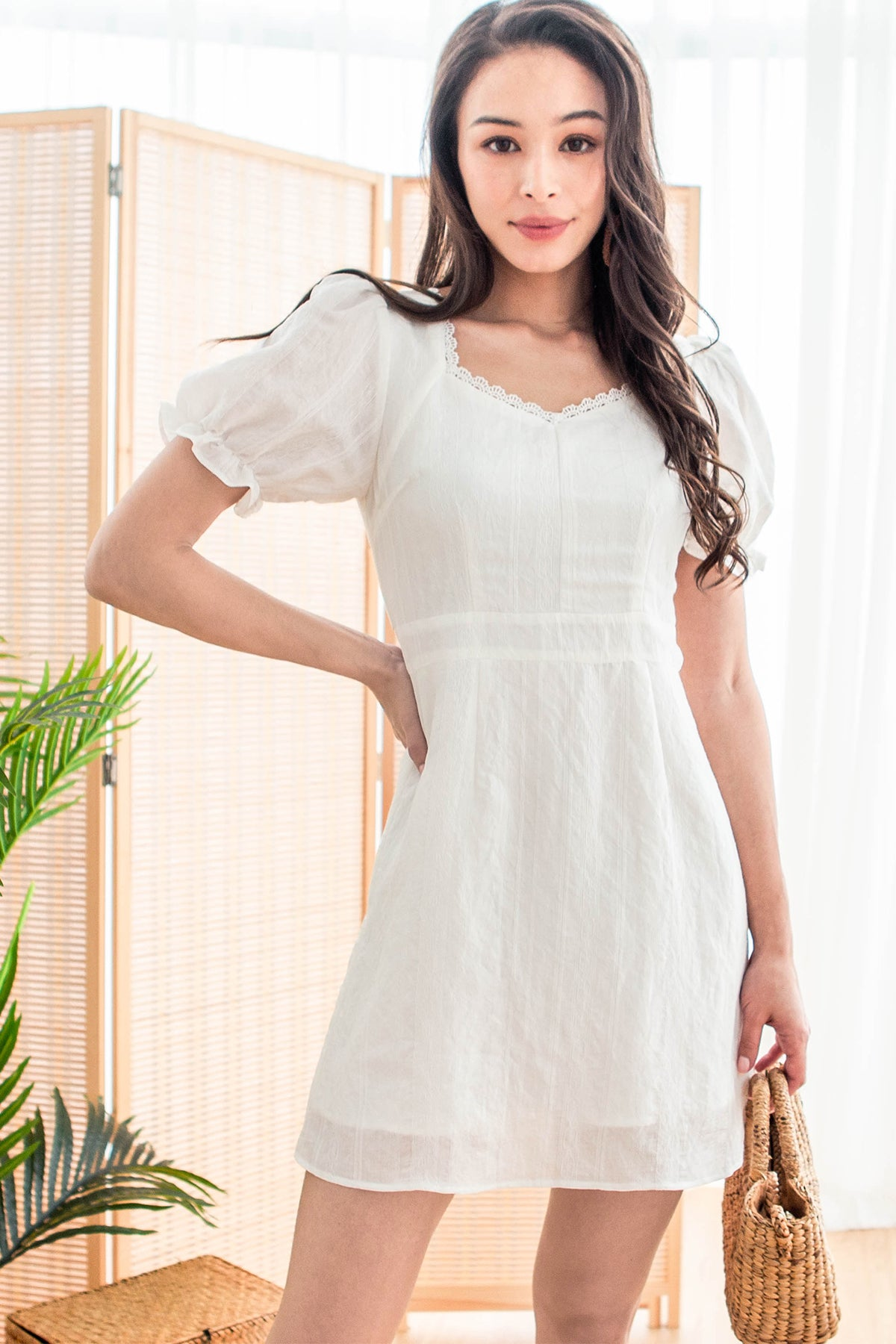 Heather Embroidered Sweetheart Dress (White)