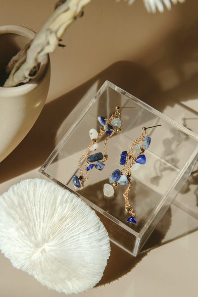 Gem Showers Earrings (Sodalite Blue)