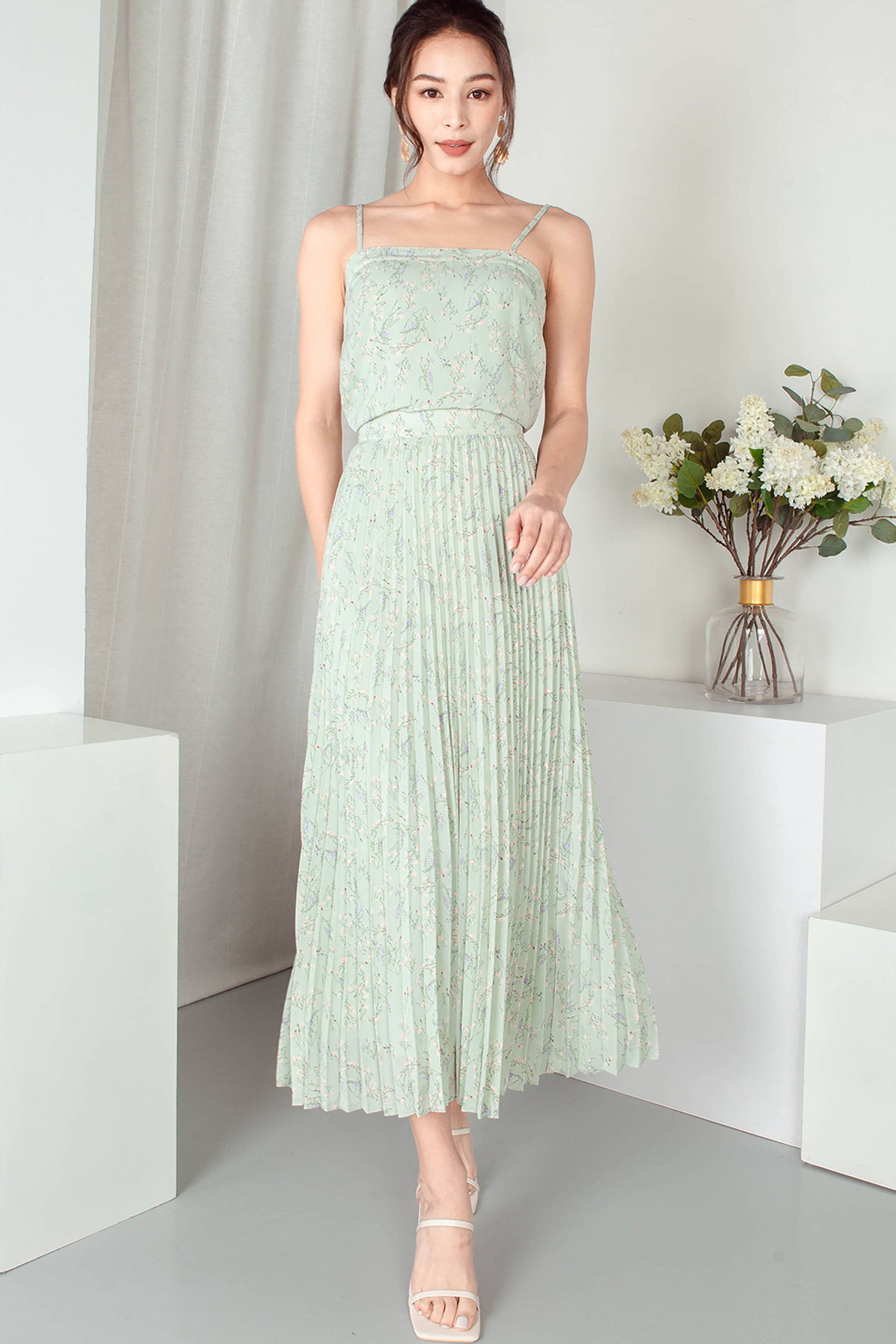 Mae Pleated Maxi Skirt (Seafoam)