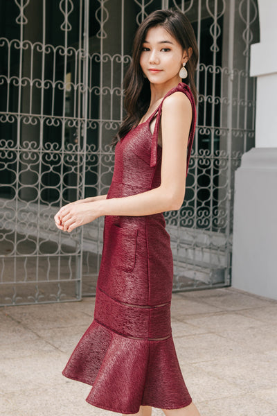 Meredith Textured Midi Dress (Burgundy)