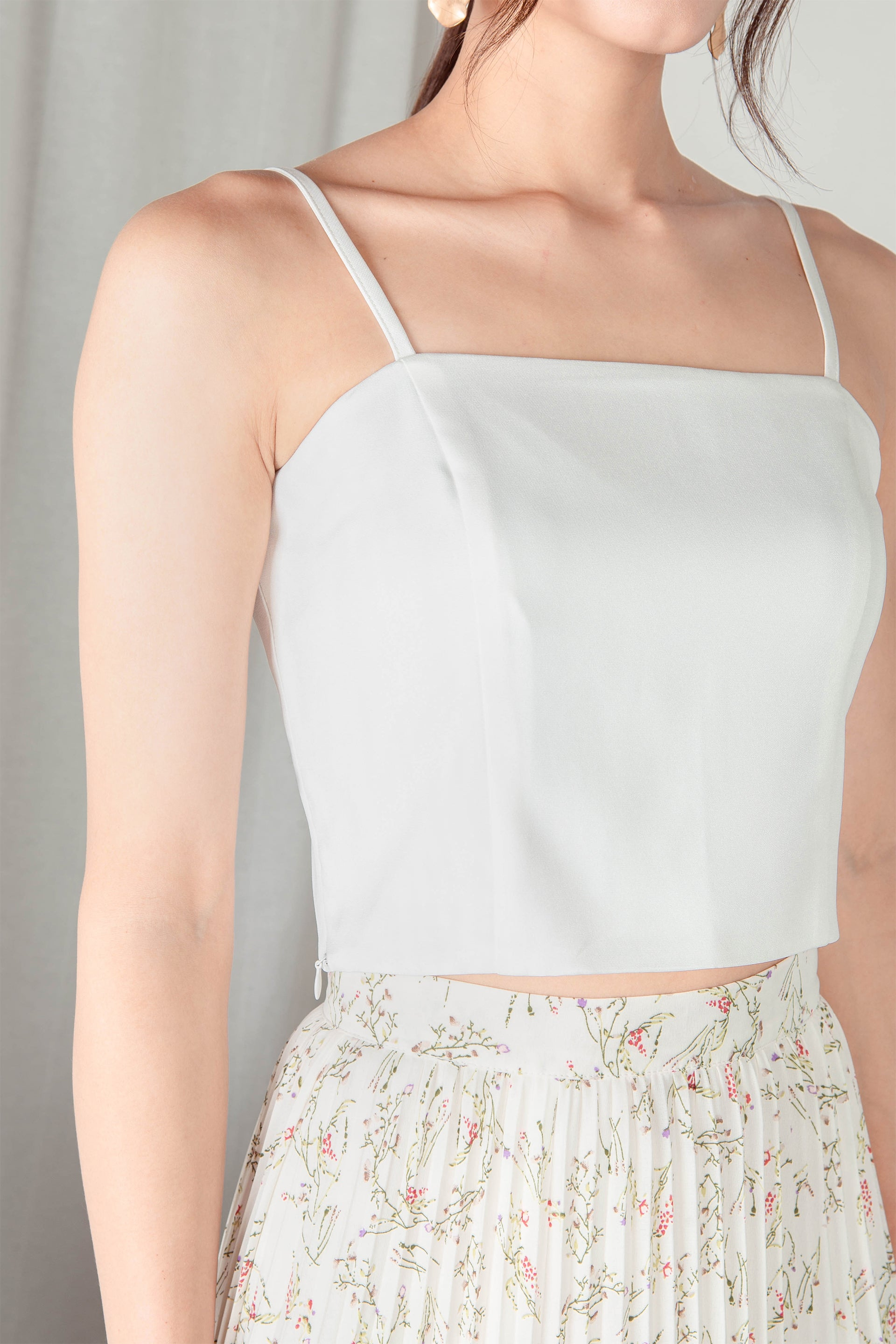 Ysabeau Straight Neck Top (White)