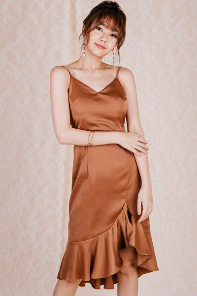 Zenia Backless Midi Dress (Gold)