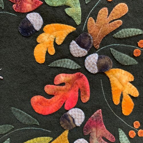 leaves and acorn quilted applique