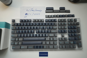 GMK Calm Depths (Base Kit) [Great Condition]