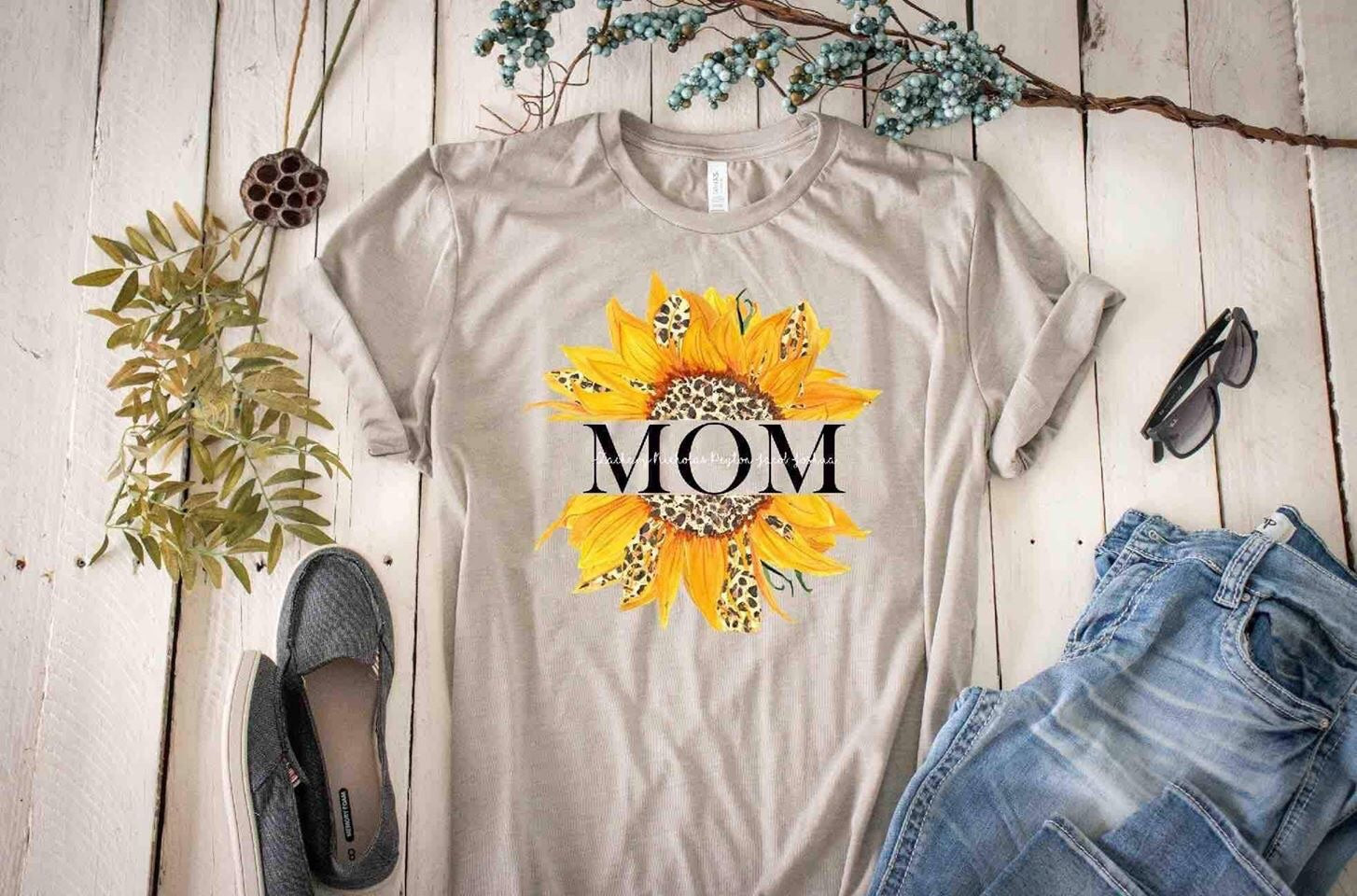 Sunflower Personalized Mom/Nana/Gigi/Grandma Tee