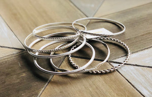 Hammered/textured metal bangle bracelet set