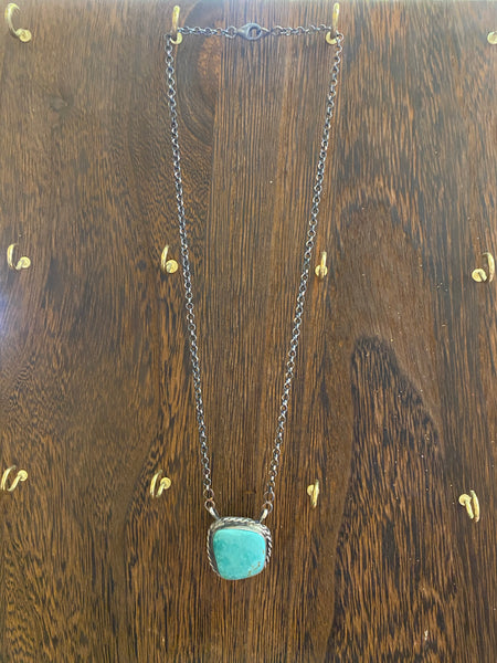 STERLING SILVER TURQUOISE CIRCLE SLAB NECKLACE