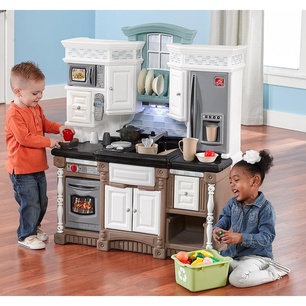 Step2- Kids kitchen-Dream Kitchen with fun lights-sounds-electronic features