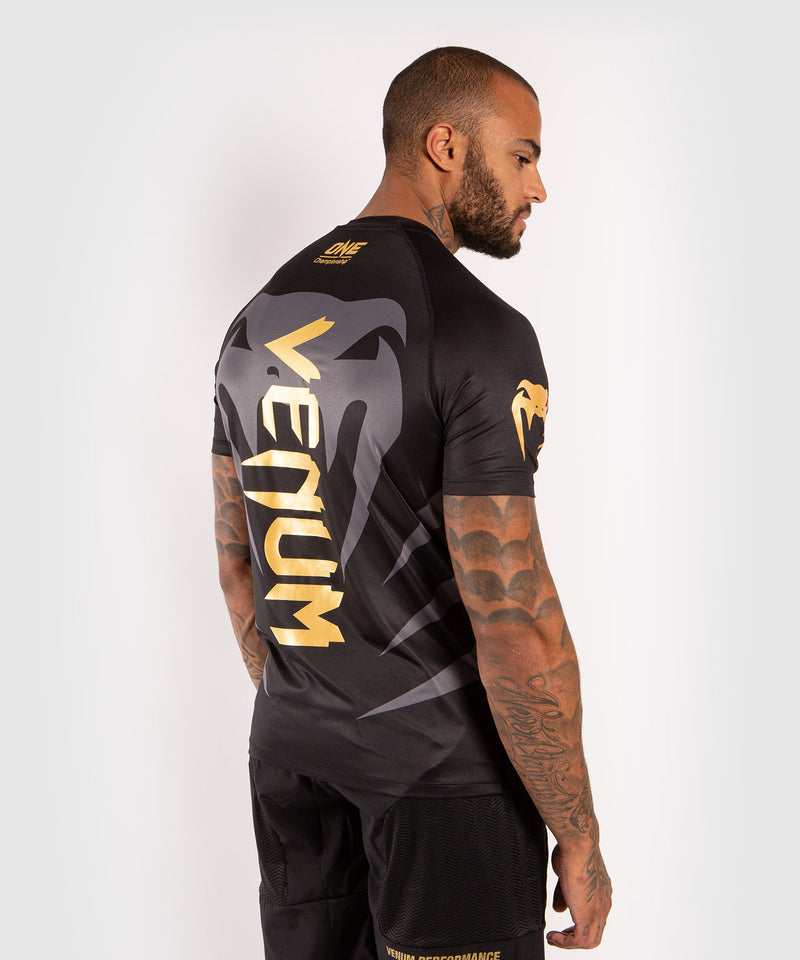 Venum x ONE FC Dry Tech T-shirt - Black/Gold picture 4
