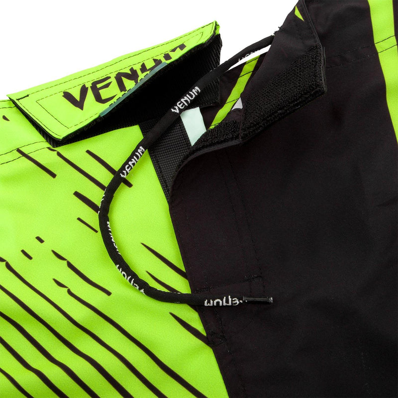 Venum Training Camp 2.0 Fightshorts - Black/Neo Yellow picture 6
