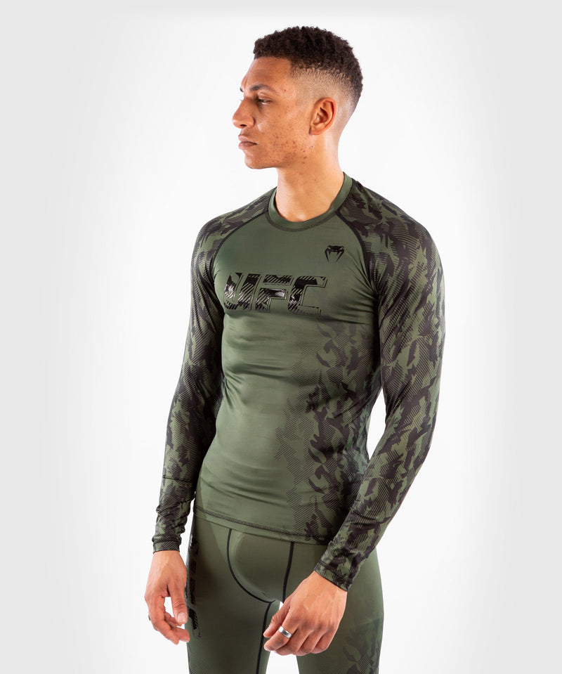 UFC Venum Authentic Fight Week Men's Performance Long Sleeve Rashguard – Khaki Picture 3