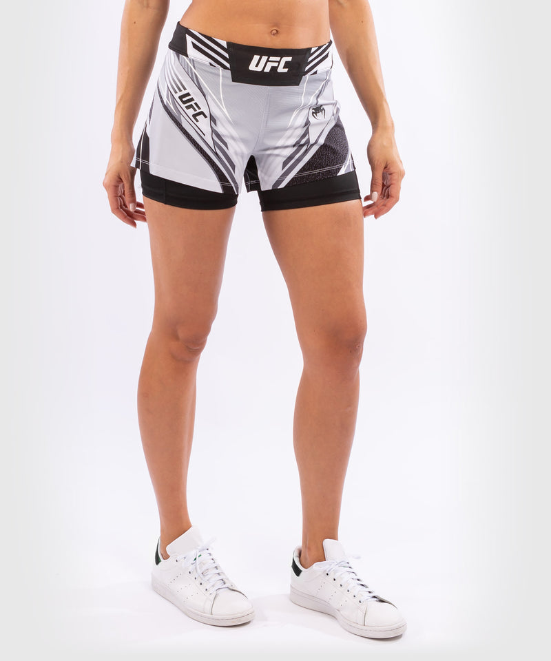 UFC Venum Authentic Fight Night Women's Shorts - Short Fit – White Picture 4