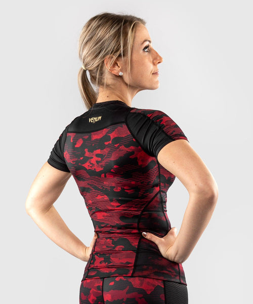 Venum Defender Rashguard - Short Sleeves - Black/Red picture 2