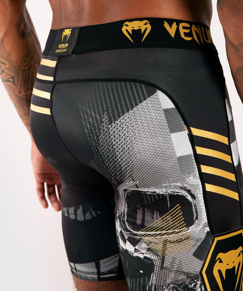 Venum Skull compression shorts - Black picture 7