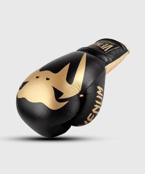 Venum Giant 2.0 Pro Boxing Gloves - With Laces - Black/Gold picture 1