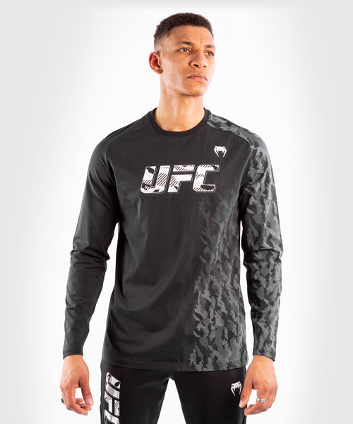 UFC Venum Authentic Fight Week Men's Long Sleeve T-shirt – Black Picture 1