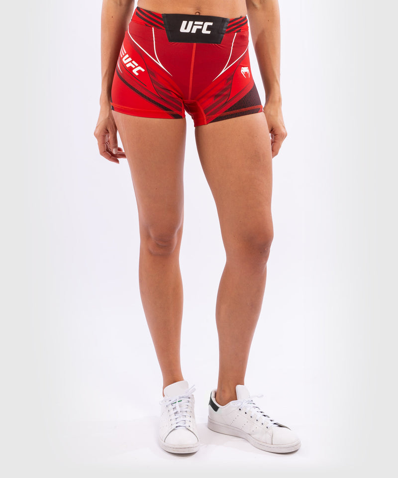 UFC Venum Authentic Fight Night Women's Vale Tudo Shorts - Short Fit – Red Picture 4