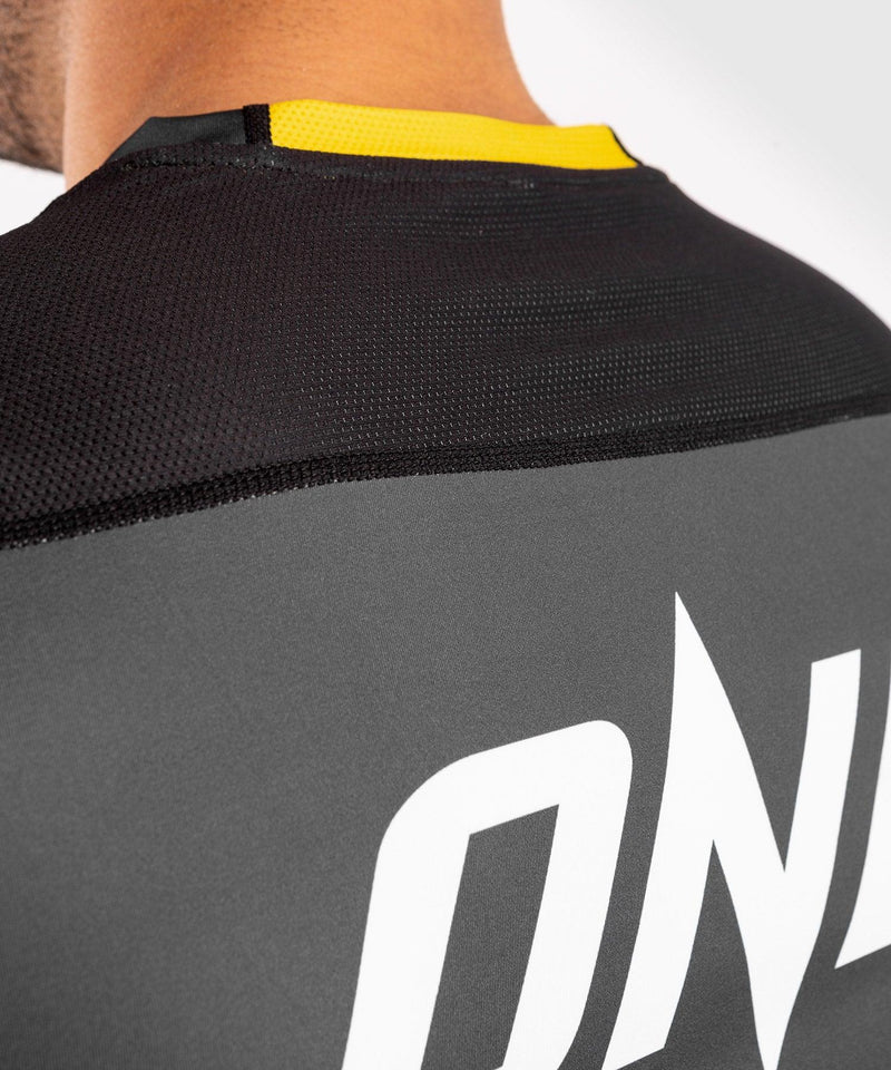 Venum ONE FC Impact Dry Tech T-Shirt - Grey/Yellow - picture 6