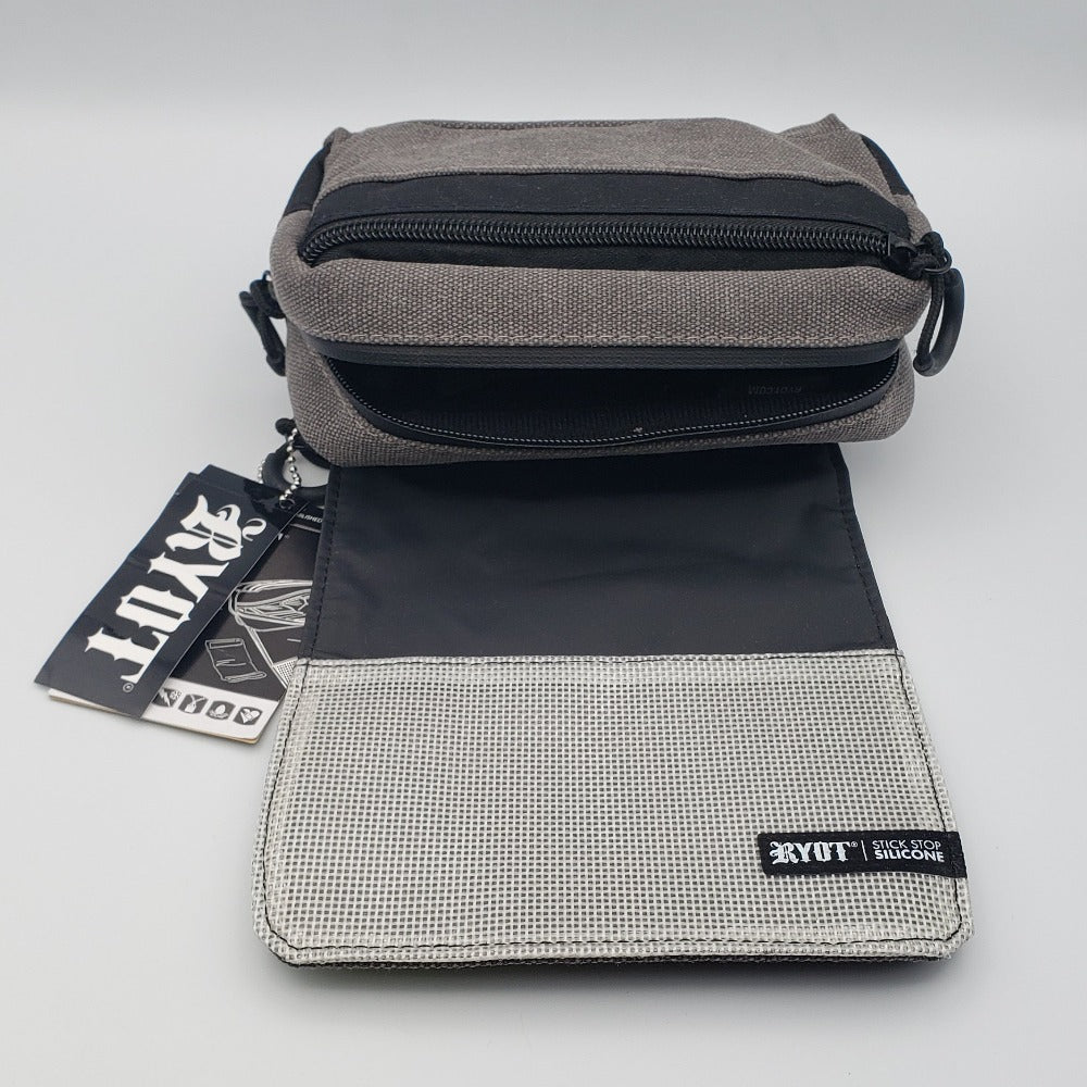 RYOT Piper Carbon Series SmellSafe Soft Case