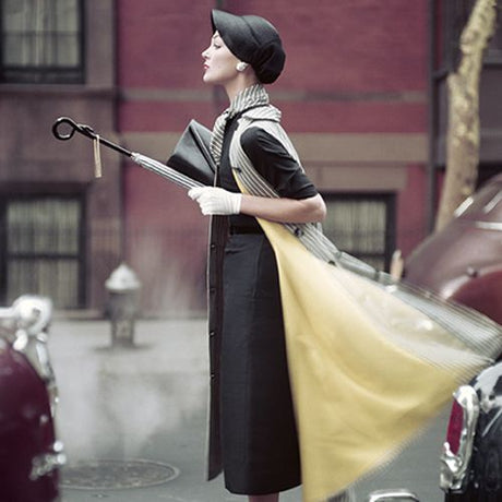 Norman Parkinson - Traffic' Ivy Nicholson in New York, Vogue 1957