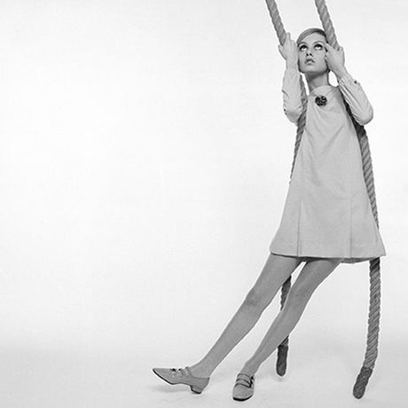 Norman Parkinson - Twiggy: Gym is in