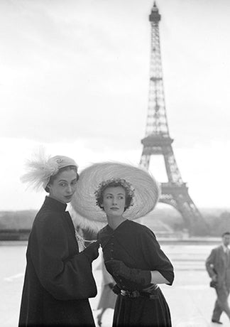Norman Parkinson - Wenda Parkinson and unknown model