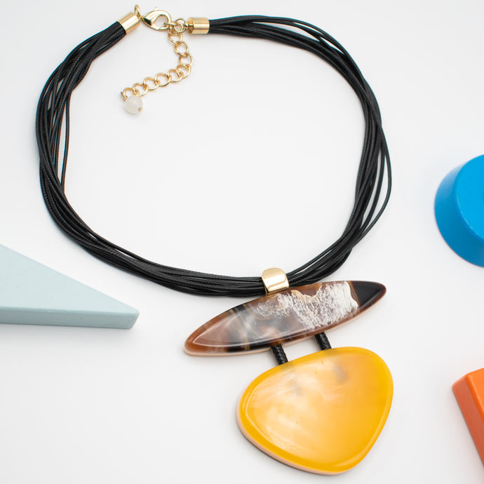 Bakelite Necklace - Rianna In Berlin