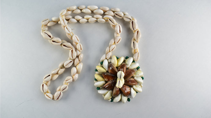 Vintage 80s Handmade Real Shell Necklace - Rianna In Berlin