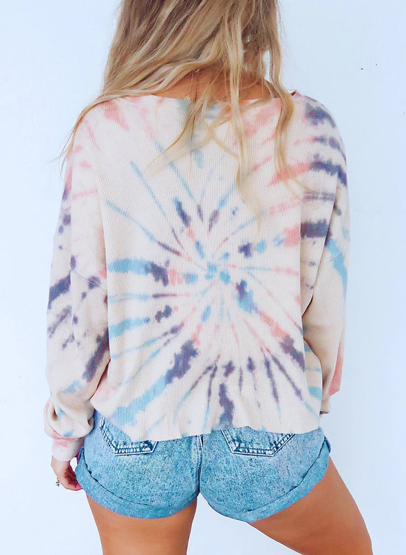 Multicolor Tie-dye Print Pattern Throughout Top