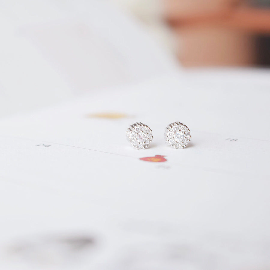 Silver Korea Made Earrings Petite Stud Cubic Zirconia 925 Silver Daily Wear Anting-Anting Korean Fashion Stylish Resin Clip On Earrings Unique Gift For Bridesmaid
