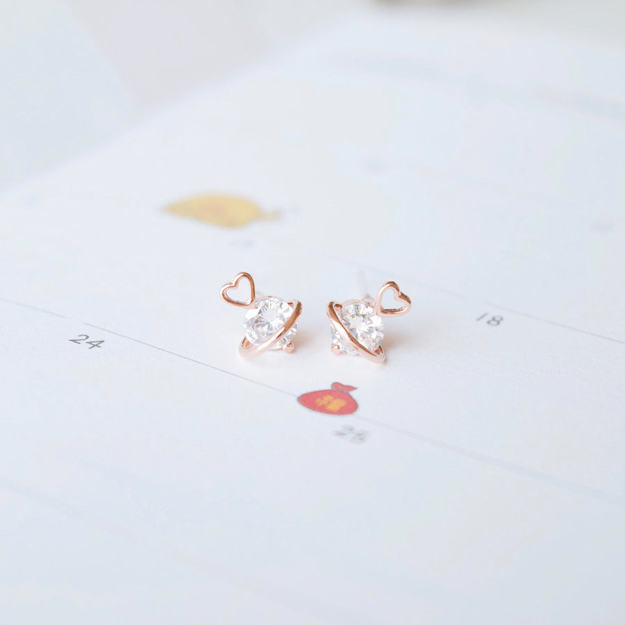 Rose Gold Korea Made Earrings Petite Stud Cubic Zirconia 925 Silver Daily Wear Anting-Anting Korean Fashion Stylish Resin Clip On Earrings Perfect Gift On Special Day