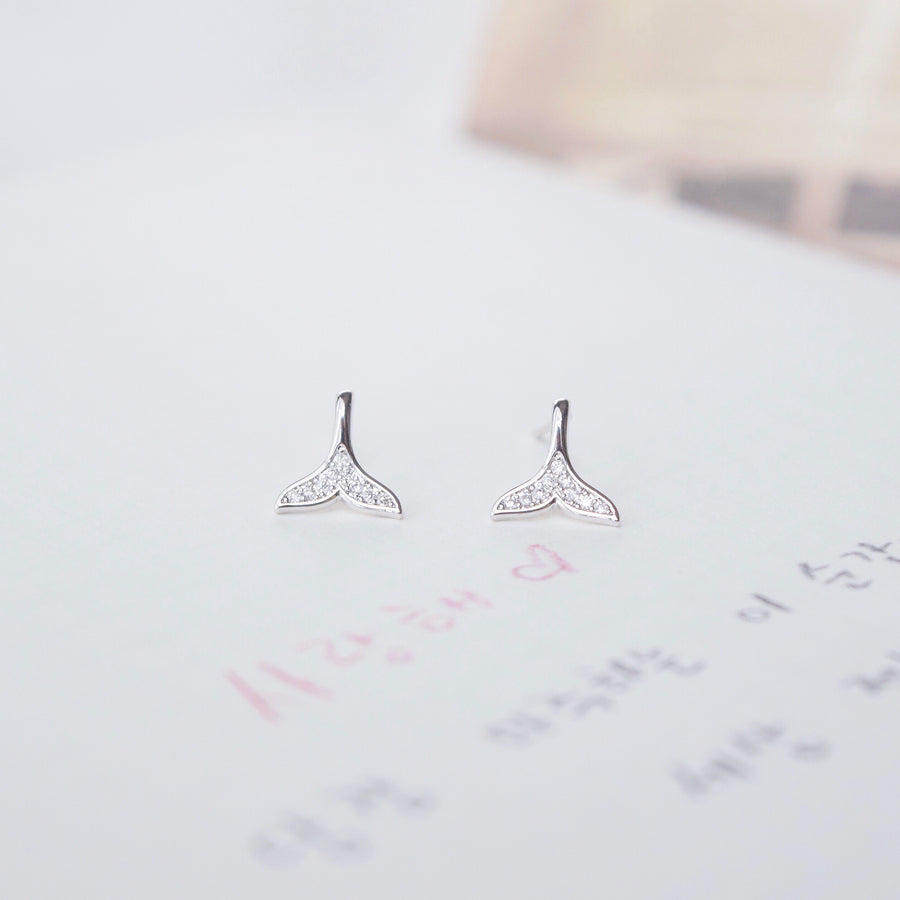 Silver Whale Tail Earrings