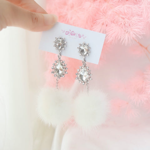 Cubic Zirconia 925 Silver Daily Wear Anting-Anting Korean Fashion Stylish Resin Clip On Earrings Unique Gift For Bridesmaid Made in Korea Earrings Korean Anting Cubic Zirconia Bride Bridal Dinner 925 Sterling Silver Accessory Fashion Fancy Stylish Costume Jewellery Online Malaysia Shopping Trendy Accessories Daily Wear Jewelry Dainty Minimalist Delicate Clip On Earrings No Piercing Special Perfect Gift From Heart For Your Loved One Christmas Snowflake