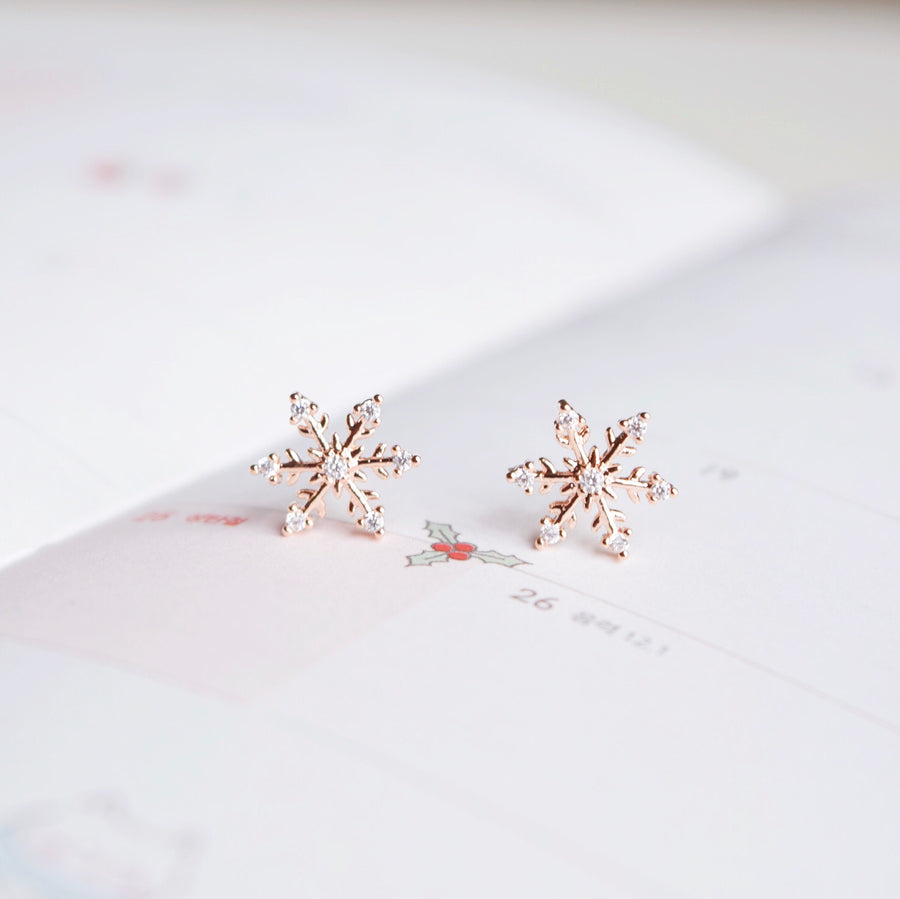 Xmas Christmas Gift for her Snowflake frost frozen Korea Made Earrings Petite Stud Cubic Zirconia 925 Silver Daily Wear Anting-Anting Korean Fashion Stylish Resin Clip On Earrings Unique Gift For Bridesmaid