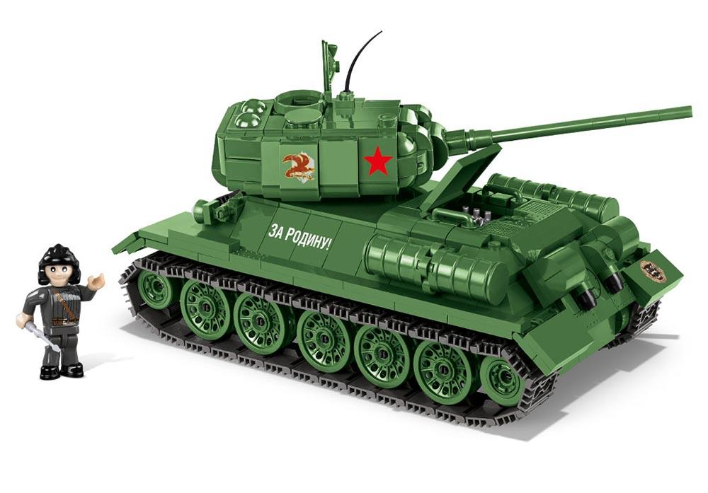 Zijaanzicht van een stilstaande Cobi 3005A world of tanks T-34-85 tank
