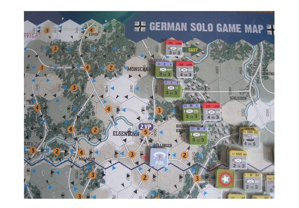 Counters en speel attributen van het bordspel Enemy Action Ardennes van Compas Games