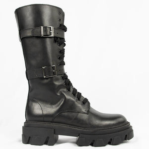 TR1022 BOOTS IN BLACK.