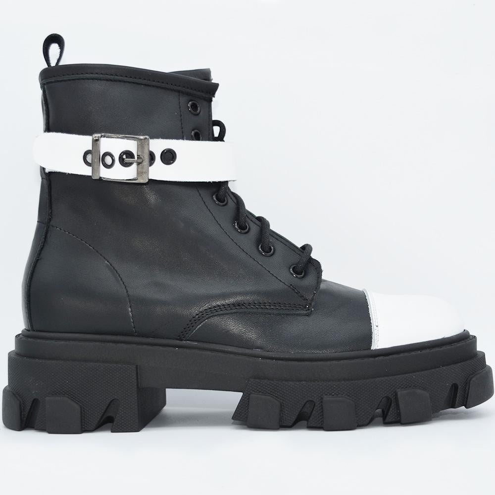 OFF 1030 Low Boots Black & White