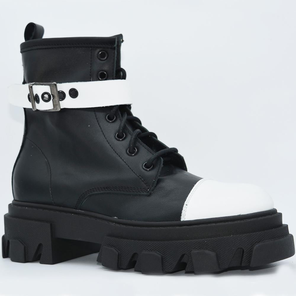 OFF 1030 Low Boots Black & White.