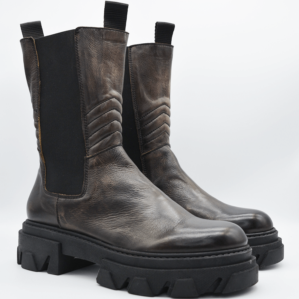 TR1011 BOOTS IN WASHED CHESTNUT LAMB - WAYART