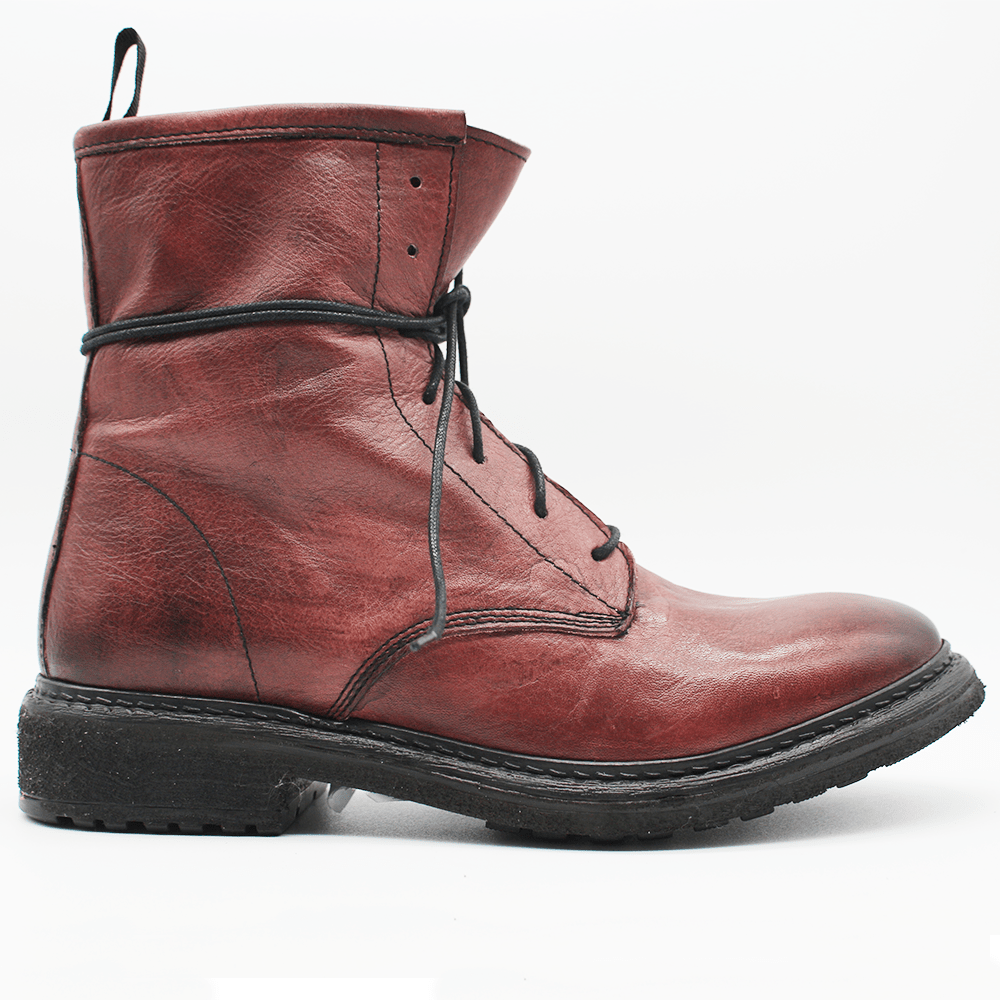 TR 1006 Low Boot in washed red.