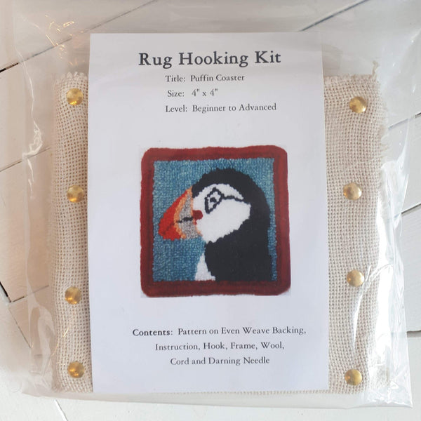 coaster size 'puffin' rug hooking kit by Molly Made.