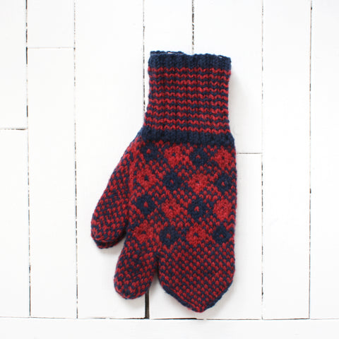 wool trigger mitts in red and blue pattern