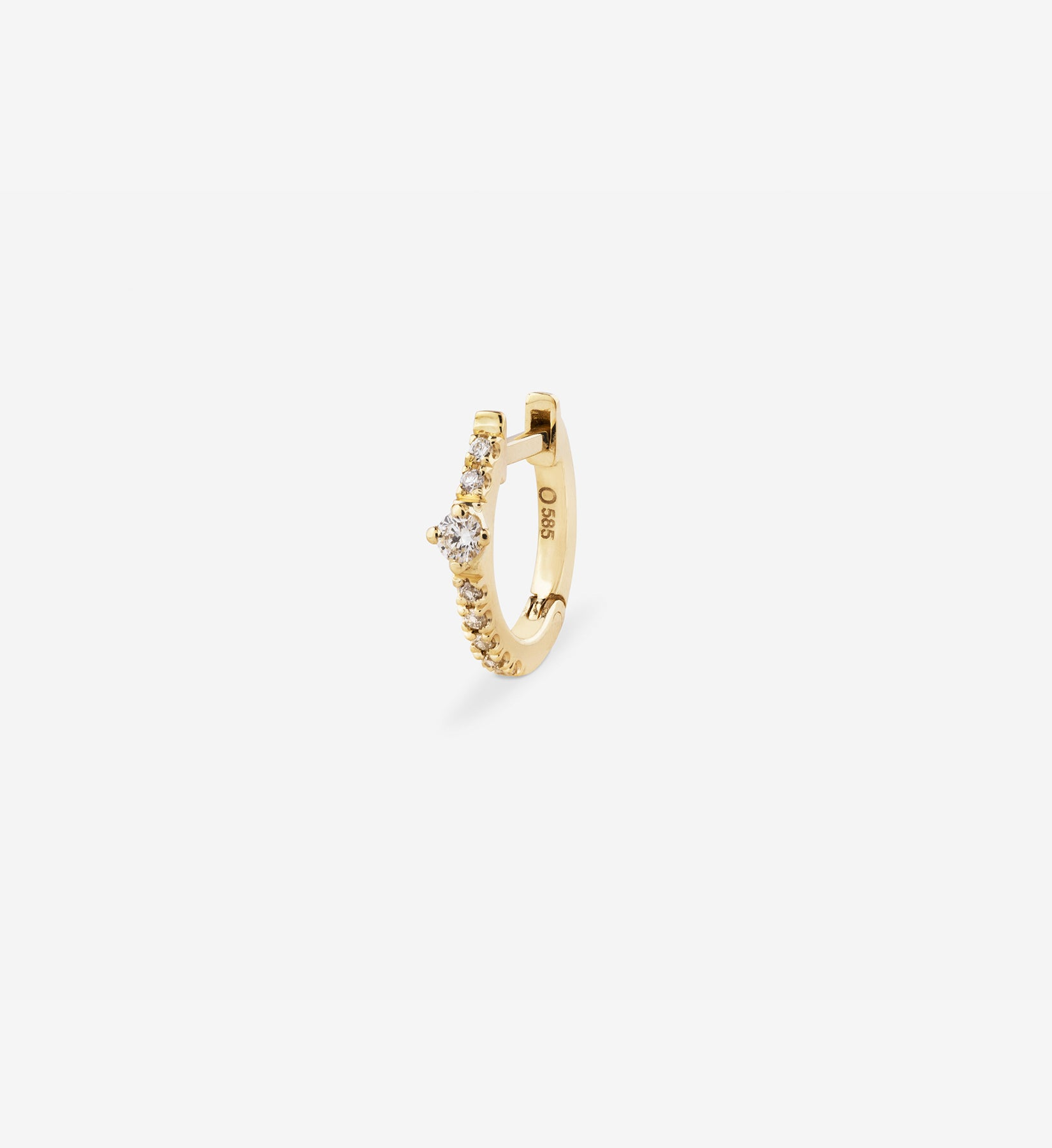 OUVERTURE, Fine jewelry, 14K gold, diamonds, golden ring, diamond ring, golden earring, diamond earring. Handcrafted jewelry. Designed in Berlin. Honestly priced. Demifine. Earparty. Stacking rings. Diamond Huggie, Huggie earring, golden huggie earring, diamond huggie earring