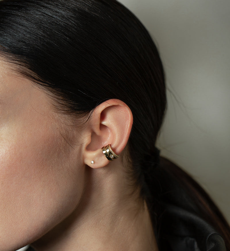 Diamond Line Earcuff 0.06 in 14K Gold