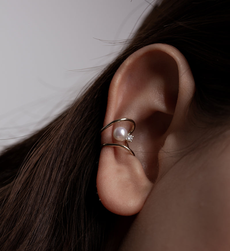 Floating Diamond Earcuff 0.05